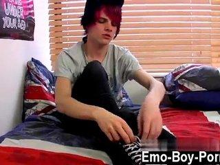 Gay emo boy porn gallery Damien Winters is one of those emo dudes