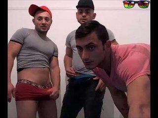 Trio de amigos ARABES jugando en la cam