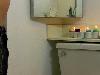 Anthony Evans' Bathroom Wank